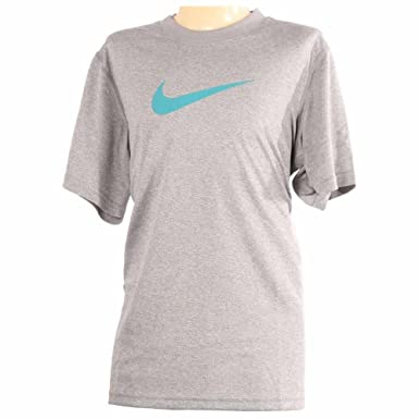 0cd9490ebe47 Amazon.com  Nike Dry Big Kids Boys Training T-shirt  Clothing