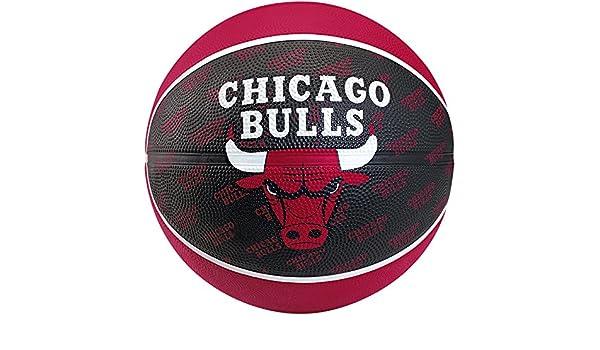 Spalding Team Chicago Bulls Balón de baloncesto, tamaño 5: Amazon ...