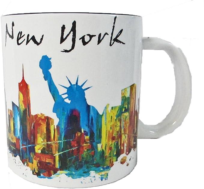 Amazon Com New York Souvenir 20 Oz Large Coffee Mug With Graffiti Art Of Statue Of Liberty And Nyc Skyline Coffee Cups Mugs