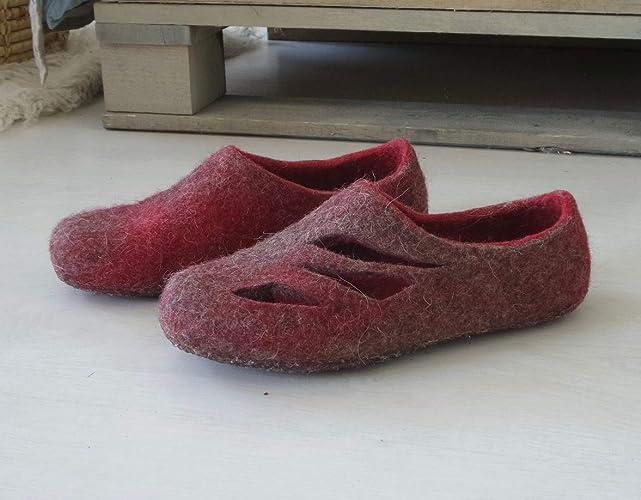 84112b62a7e Amazon.com  Felt slippers red Women Woolen Clogs Winter Shoes  Handmade