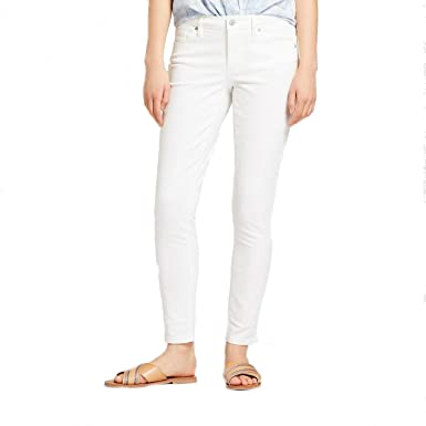 bb787cbdd4c86 Universal Thread Women's Mid-Rise Skinny Jeans White at Amazon ...