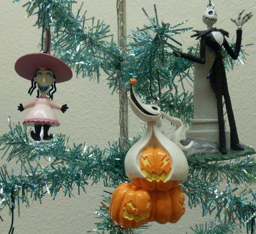 amazoncom nightmare before christmas 7 piece holiday christmas tree ornament set featuring jack skellington sally zero shock lock barrell