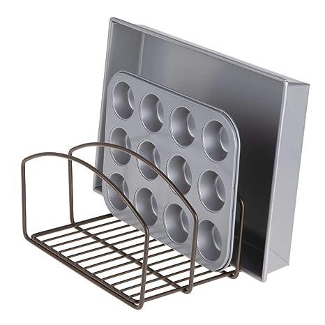 mDesign Organizador de cocina – Bandeja organizadora con 3 apartados para poner orden en la cocina – Rejilla de metal para tablas de cortar, moldes de ...