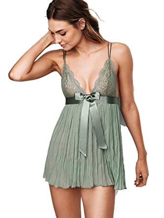 86f59c7dd31 Victoria  s Secret Very sexy Pleated Babydoll (Medium
