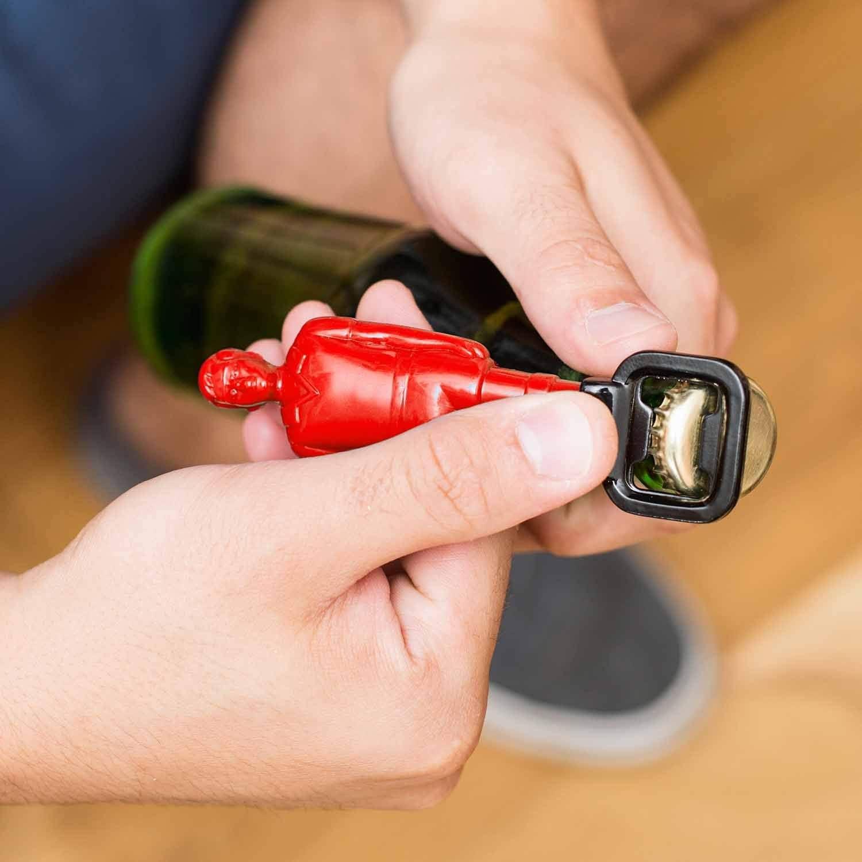 Compra 50 Cincuenta 19 x 9 x 19 cm FF044 futbolín de plástico abrelatas de Botella, Color Rojo en Amazon.es