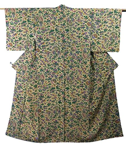 リサイクル 着物 小紋  四季花に孔雀や蝶 正絹 袷 裄62.5cm 身丈152cm