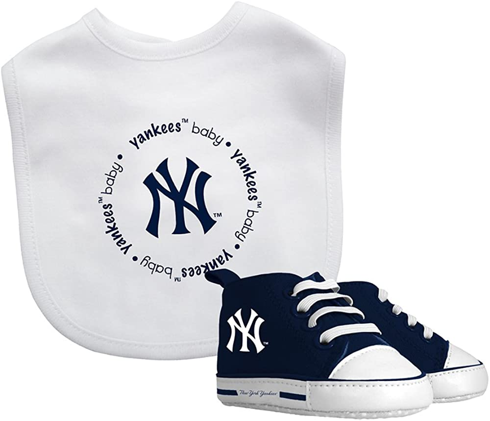 Unisex Newborn Yankee Bib White With Blue Logo