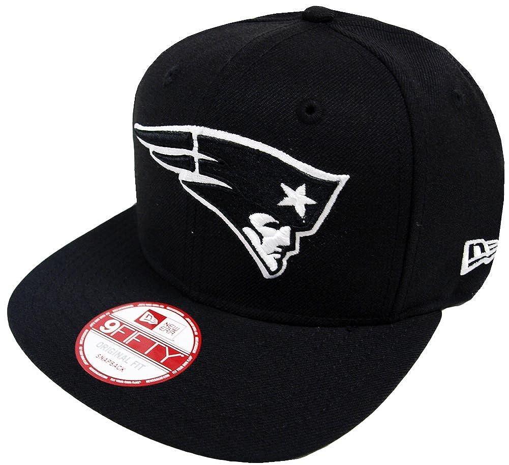 53cc999d4 Amazon.com  New Era NFL New England Patriots Black White Snapback Cap 9fifty  Limited Edition  Clothing