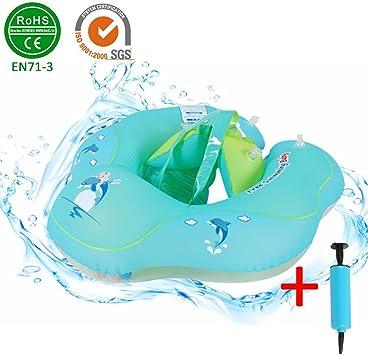 Flotteur gonflable de piscine sous les aisselles