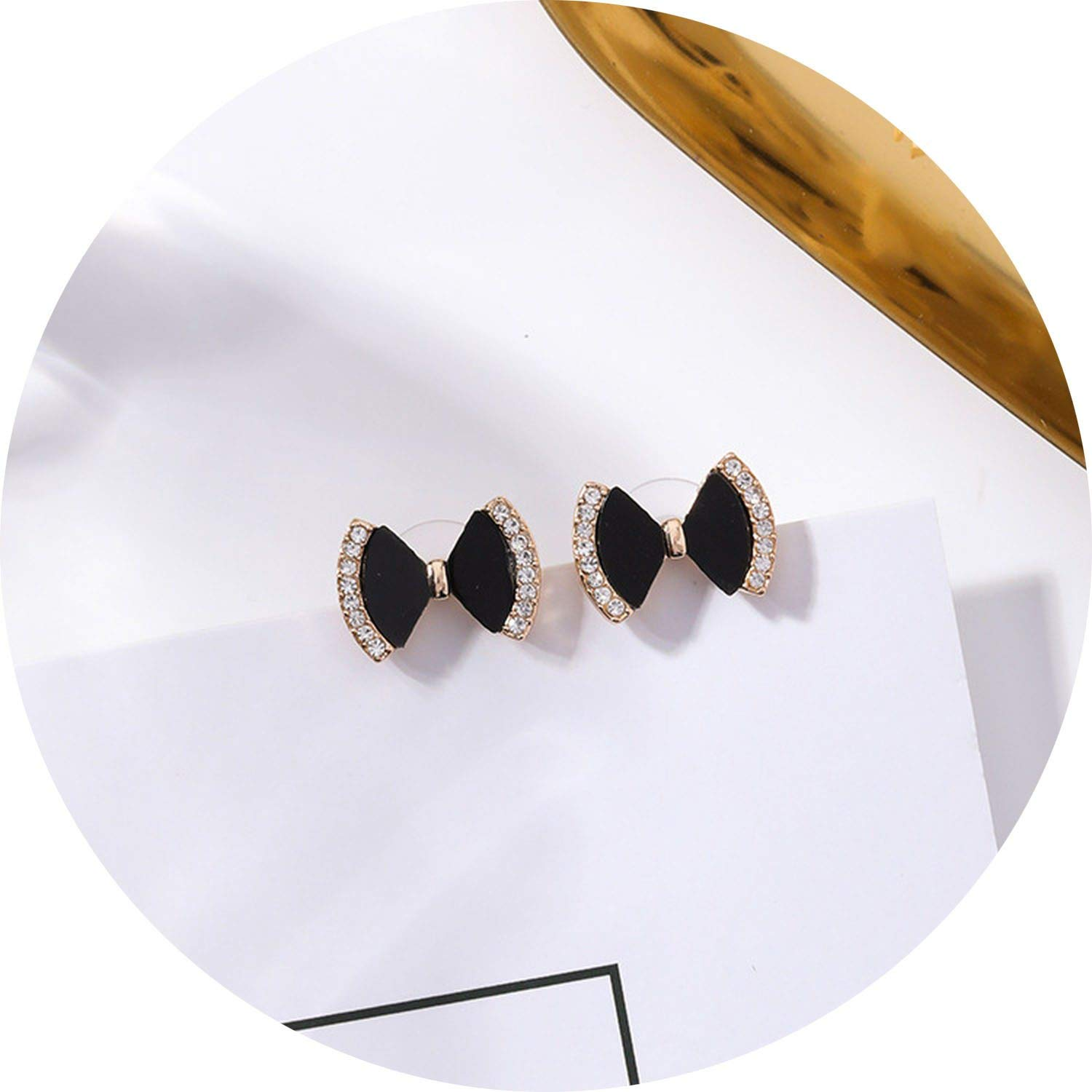 New Arrival Plant Resin Women Classic Stud Earrings Individual Daisy Earrings Fashion Jewelry Womens Accessories