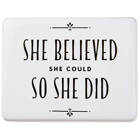 Amazon.com: Imán de cerámica con cita de Ella Creyente Ella ...