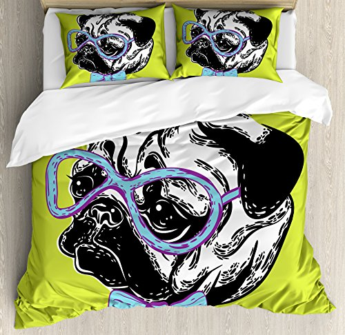 Ambesonne Pug Duvet Cover Set, Dog with a Bow Tie and Nerdy Glasses on Green Shade Backdrop, Decorative 3 Piece Bedding Set with 2 Pillow Shams, Queen Size, Apple Green