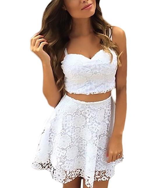 Faldas y blusas cortas de moda