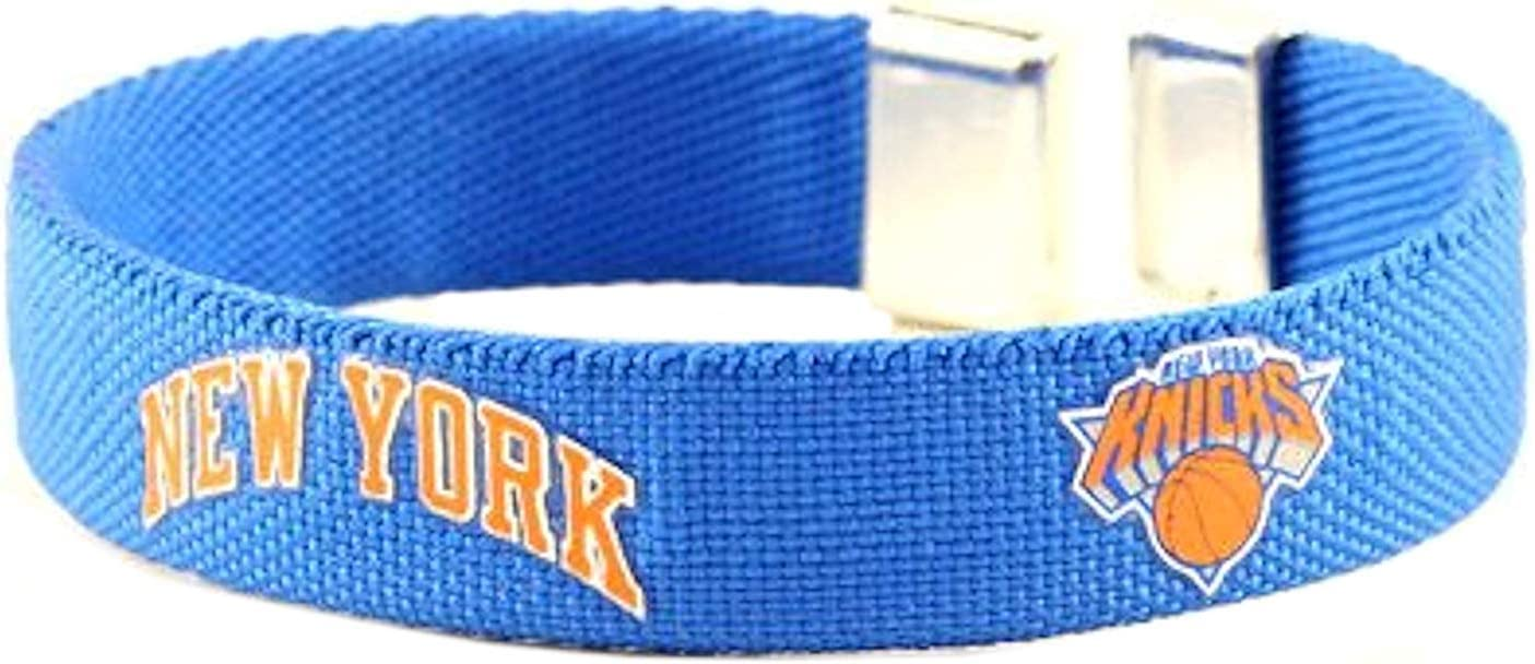 Aminco International Nba Bc 262 04 Nba New York Knicks Ribbon Cuff Armreif 4 Teamfarben Sport Freizeit
