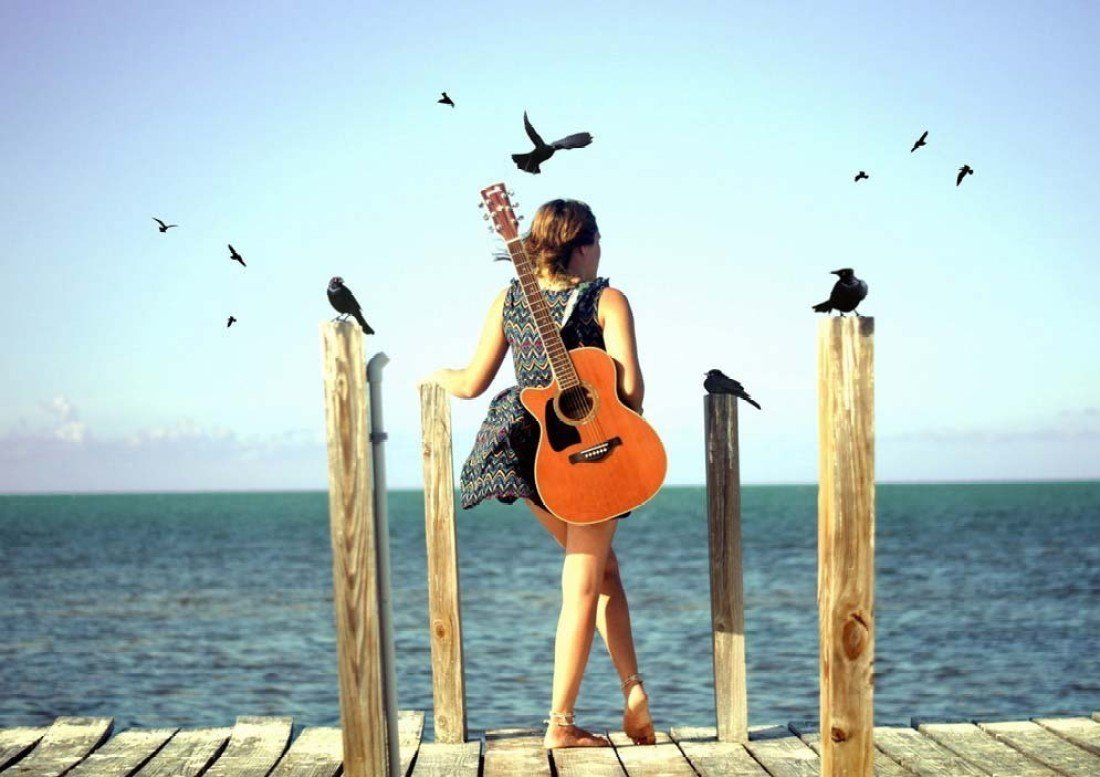 With guitar stylish girl recommend to wear for summer in 2019