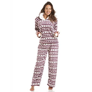 Size 18//20. Ladies Burgundy Star Print Fleece Hooded Pyjamas