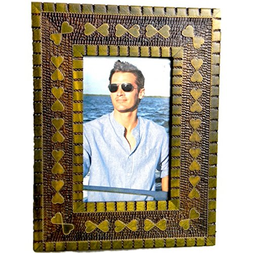 - Wood Picture Frame Etched Textured Carved Embossed Inlaid Handmade Green Hearts3.5 by 5