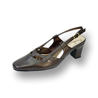 7b7a3e03e Peerage Kate Women Extra Wide Width Closed Toe with Straps Vamp Slingback  Buckle Brown 6