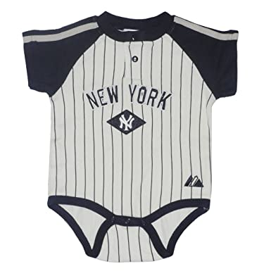 04dbf7983 MLB New York Yankees Baby / Infant One-Piece Bodysuit / Romper / Onesie  (Size: 18): Amazon.co.uk: Clothing