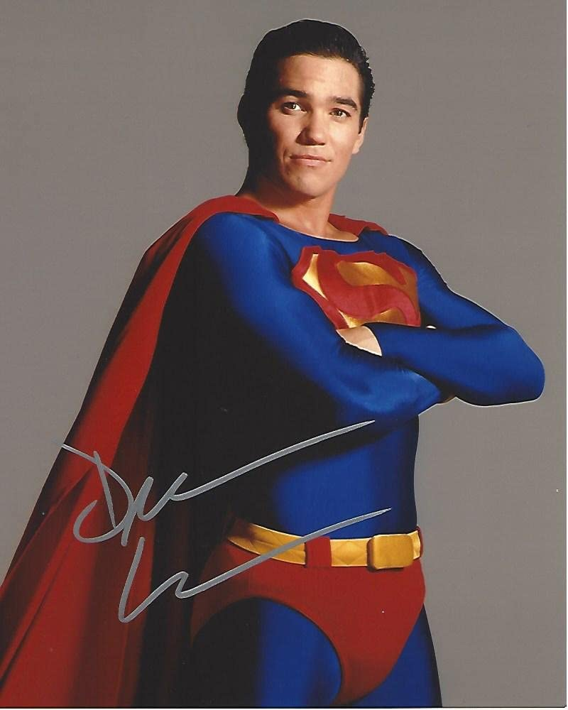 "B074PXWSNY DEAN CAIN as SUPERMAN in TV Series""LOIS & CLARK: The NEW ADVENTURES Of SUPERMAN"" Signed 8x10 Color Photo 615PWaA2OwL"