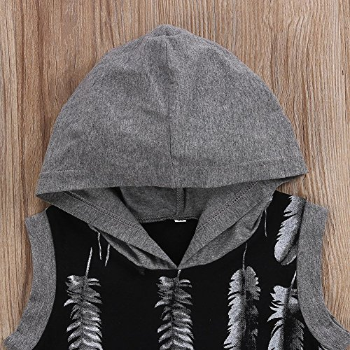 GRNSHTS Baby Boys Girls Feather Print Romper With Hoodies (90/12-18 Months, Black and Grey)