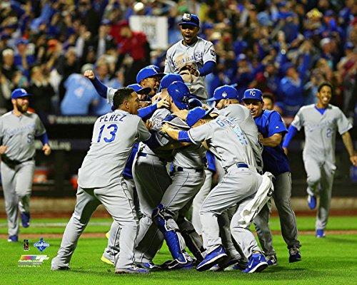 Kansas City Royals Photograph - Kansas City Royals 2015 World Series Champions Team Celebration Photo (Size: 16