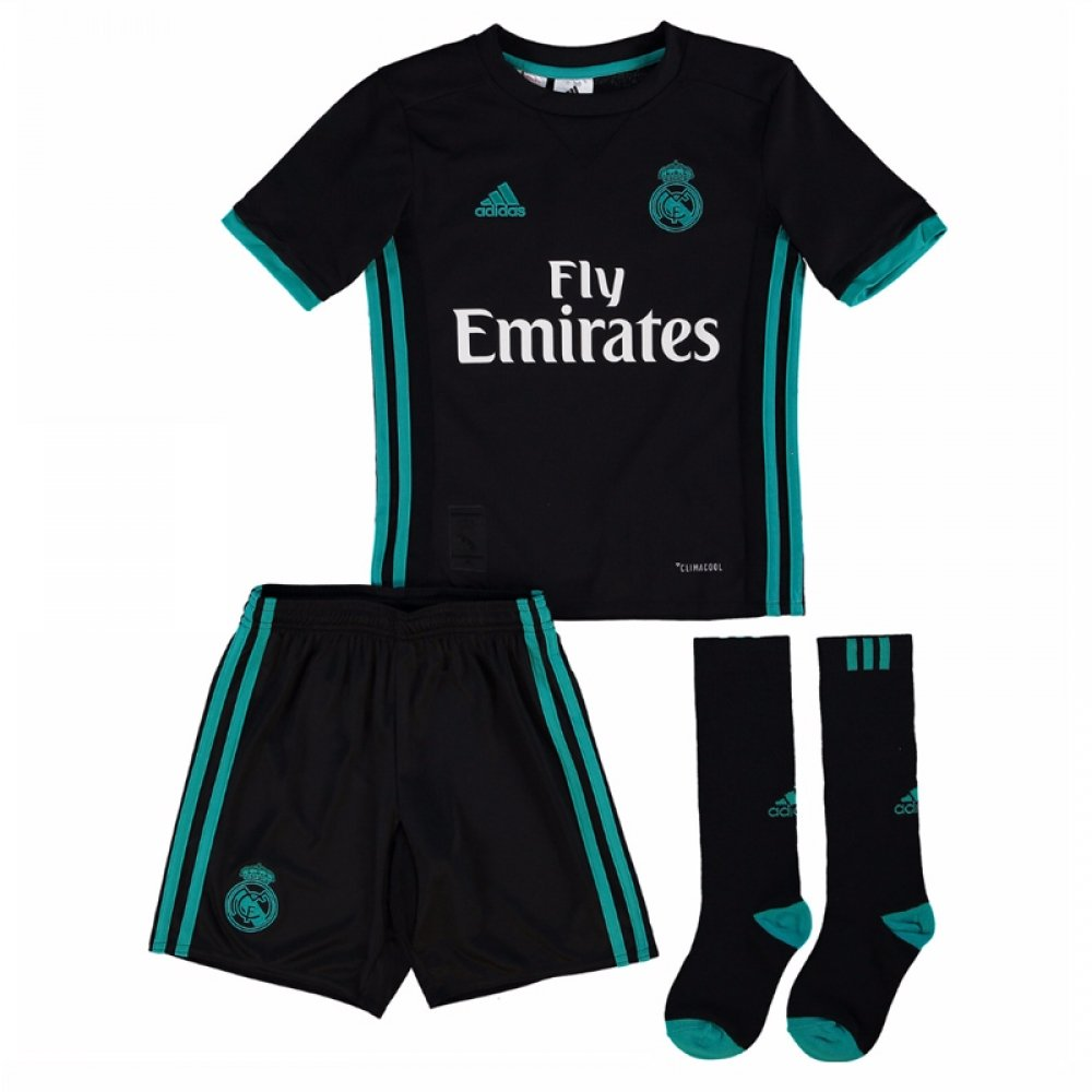 a1dc5f5e01a UKSoccershop 2017-18 Real Madrid Away Full Kit (Isco 22)  Amazon.co.uk   Sports   Outdoors