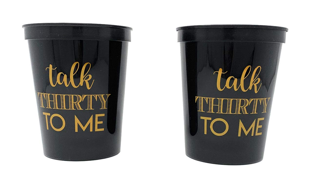 Amazon.com: Talk Thirty to Me – Tazas de fiesta de 30 ...