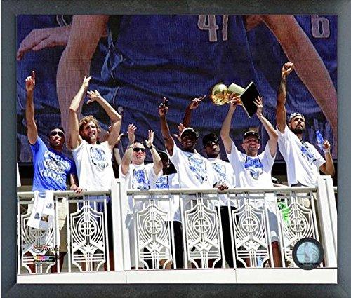 Dallas Poster Mavericks Team - Dallas Mavericks NBA Team Photo (Size: 17