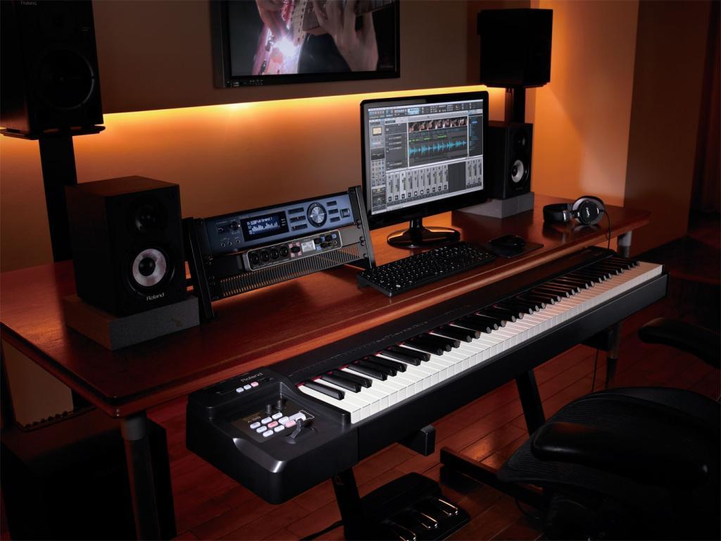 Roland A 88 Midi Keyboard Controller Black Amazon Co Uk