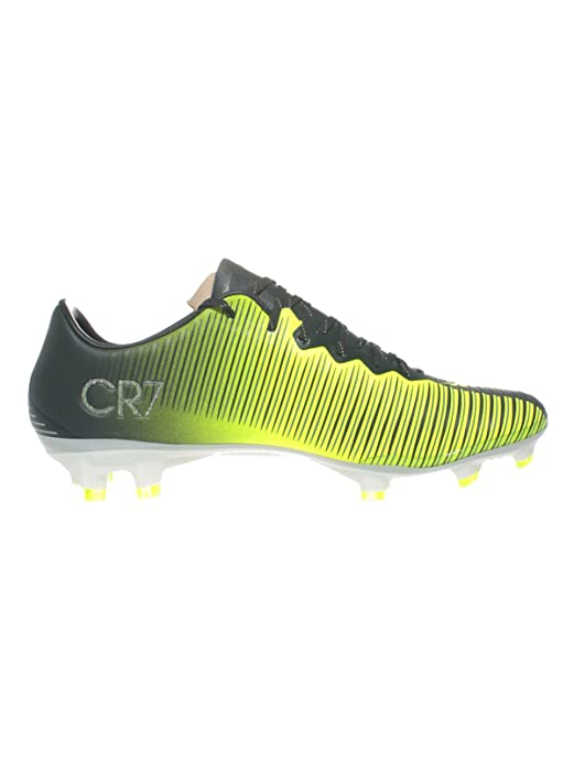 36a2a94a0 Nike Men's Seaweed, Volt, Hasta, White Mesh Soccer Cleats (11 D- M- Us):  Buy Online at Low Prices in India - Amazon.in