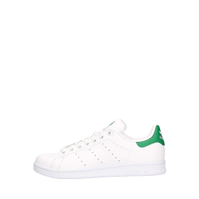 3a8b80470d2 adidas - Superstar - C77124 - Colore  Bianco-Nero-Oro - Taglia  38.6  Amazon .it  Scarpe e borse