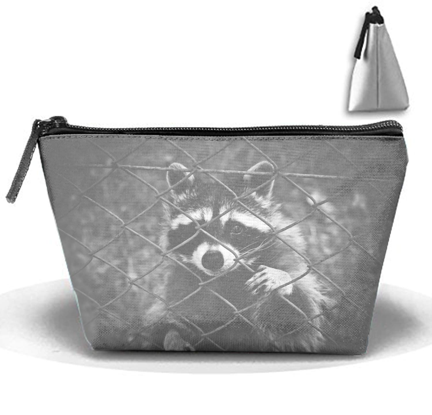 d64fd44ad193 Amazon.com : Animal Great Horned Owl Birds Cosmetic Bags Portable Travel  Trapezoidal Makeup Organizer : Beauty