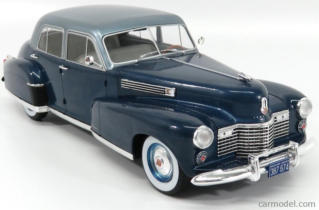 Cadillac Fleetwood Series 60 Special Sedan 1941 blau  1:18 MCG  />/> NEW /</<