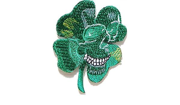 Parche o insignia con forma de trébol de cuatro hojas y diseño de calavera color militar para bordar o planchar en chaqueta, playera: Amazon.es: Deportes y ...
