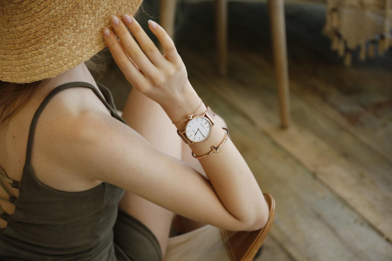b87746c60706 MAMONA Women s Rose Gold Quartz Watch Gift Set Waterproof Mesh Band ...