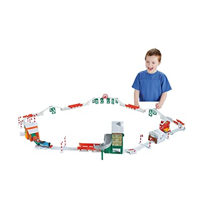 Fisher-Price Thomas & Friends TrackMaster, Holiday Cargo Delivery Set: Toys & Games