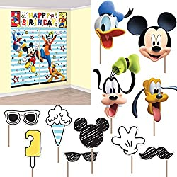 Amscan Disney Mickey Mouse on the Go Scene Setter With Props
