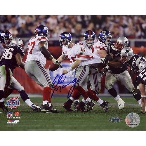 (Steiner Sports NFL New York Giants Eli Manning Super Bowl XLII Escaping Tackle Horizontal 8x10 Photograph)