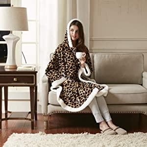"""Comfort Spaces Glimmersoft Plush to Sherpa Pocket Hooded Angel Wrap Ultra Soft Wearable Poncho Blanket Throw, 58""""x72"""", Leopard"""