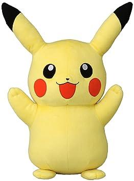 peluche geante pikachu