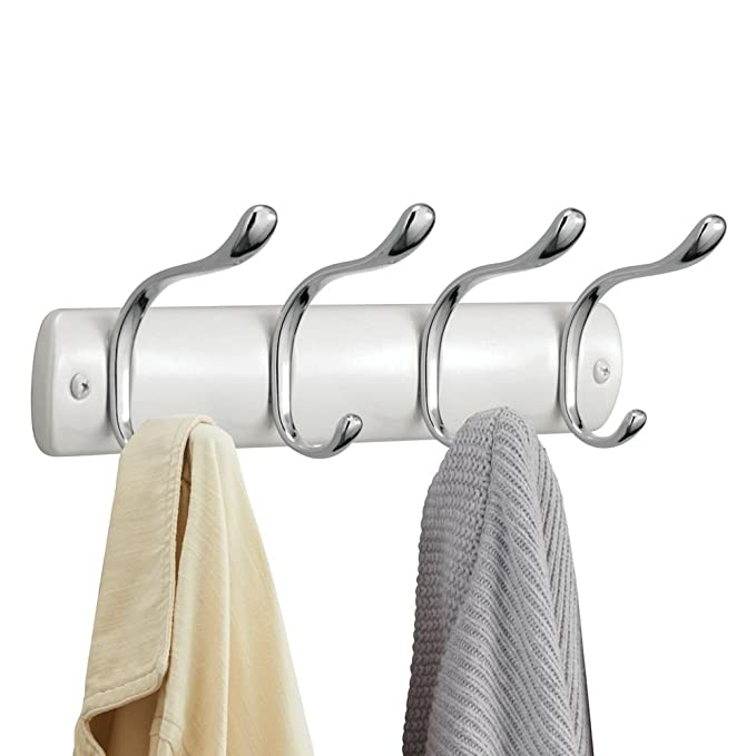 InterDesign Bruschia Colgador de pared, perchero de metal con 4 ganchos para colgar, blanco perlado/plateado