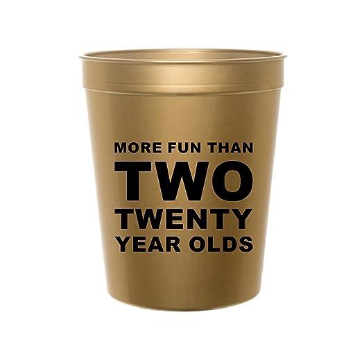 Amazon.com: Más divertido que dos veinte años de edad, oro ...