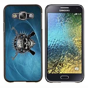 TECHCASE---Cubierta de la caja de protección para la piel dura ** Samsung Galaxy E5 E500 ** --Cráneo malvado y armas de metal