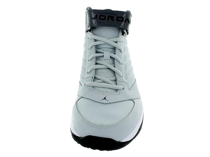ab2667b29e4 Amazon.com | Jordan Nike Men's BCT Mid 3 Pure Platinum/Black/Dark Grey  Basketball Shoe 10.5 Men US | Basketball