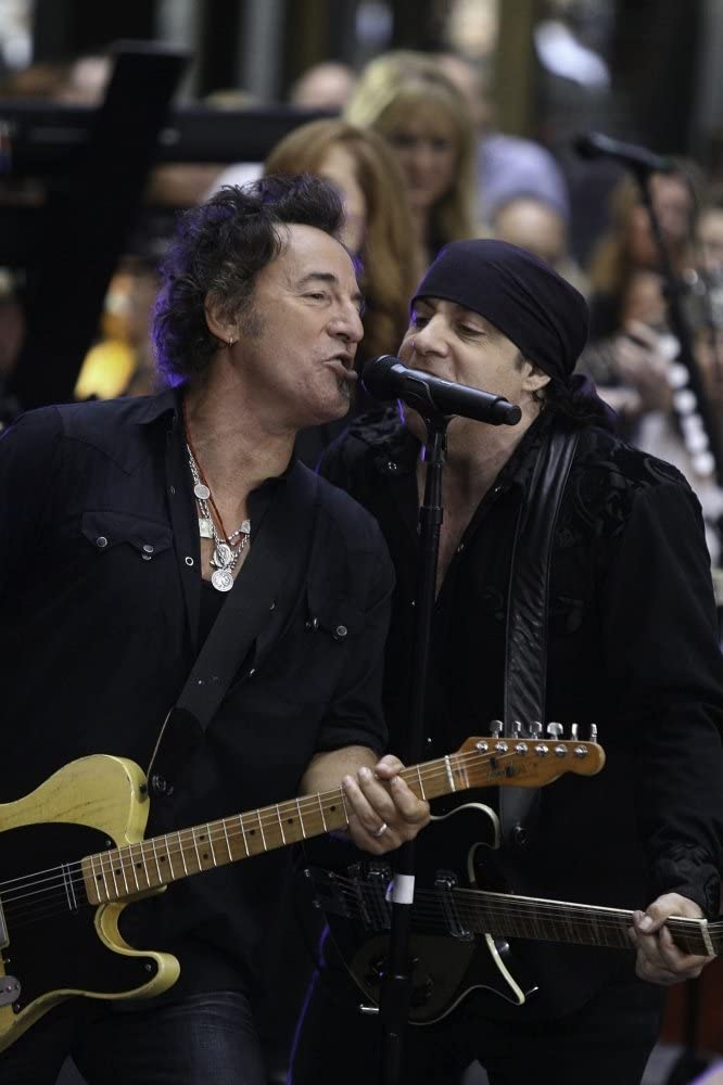 Bruce Springsteen and the E Street Band performing at the Today Show concert Photo Print (8 x 10)