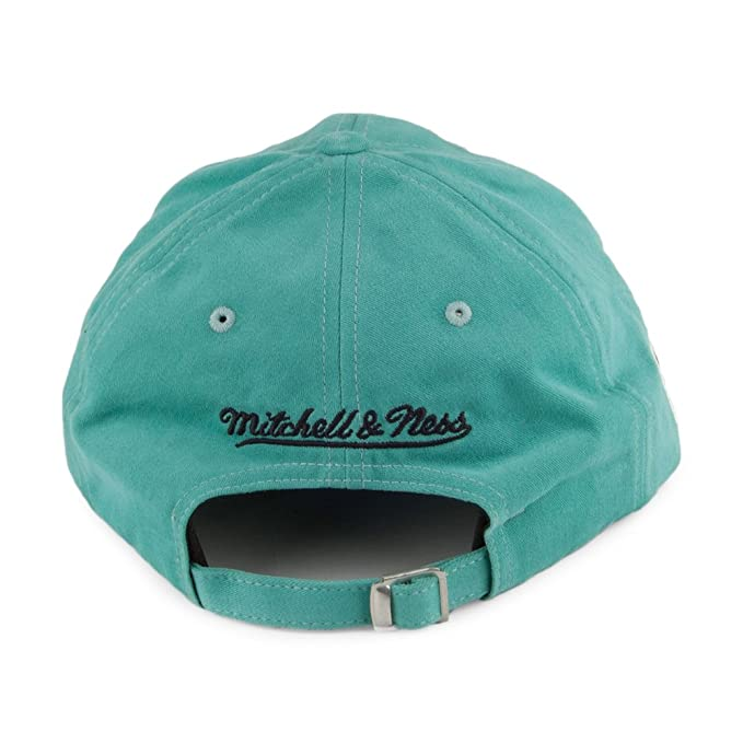 Mitchell   Ness Charlotte Hornets Haze Teal Adjustable  Amazon.es  Ropa y  accesorios 3806e967bc2