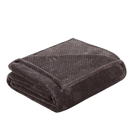 Amazon.com  LivebyCare Flannel Knitting Bed Blanket Extra Soft Warm ... fa0be2e767
