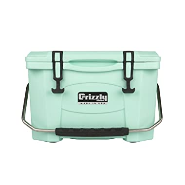Grizzly Coolers Grizzly 20 Quart Rotomolded Cooler