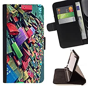 - Pont Des Arts Lover Lover Heart France - - Premium PU Leather Wallet Case with Card Slots, Cash Detachable Wrist Strap FOR Samsung Galaxy S3 III I9300 Funny House